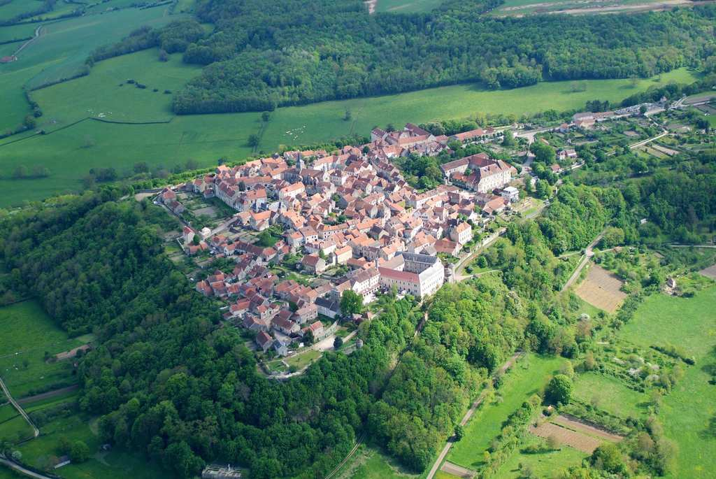travel - Flavigny-sur-Ozerain, France