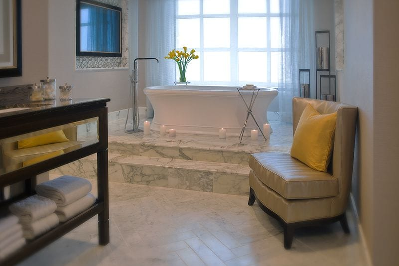 Hilton-Chicago-Huber-Conrad-Suite-Bath-Candles-58ee35893df78cd3fc135815