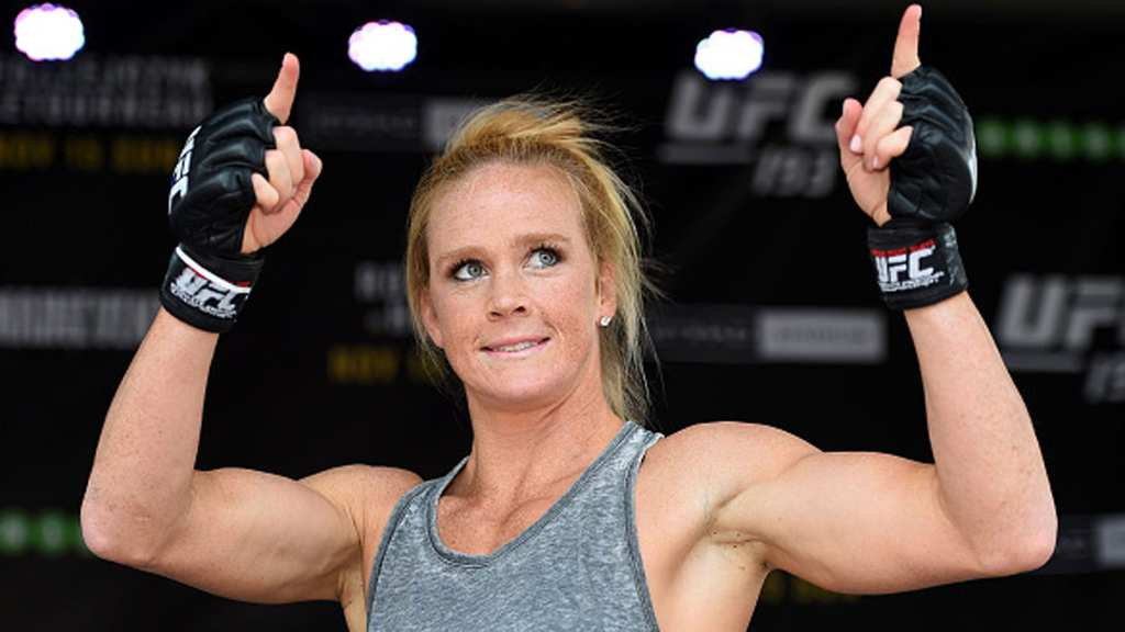 holly-holm-ufc-193-111315-getty-ftr_1jjsp7awix1gx1lzelq0ps9ax8