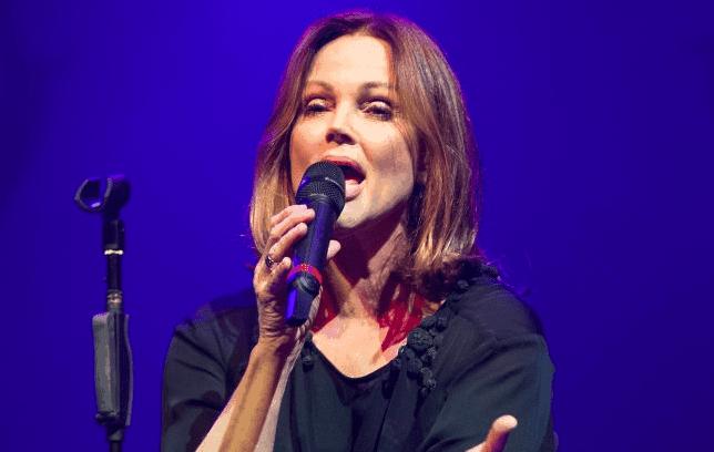 singers-belinda2