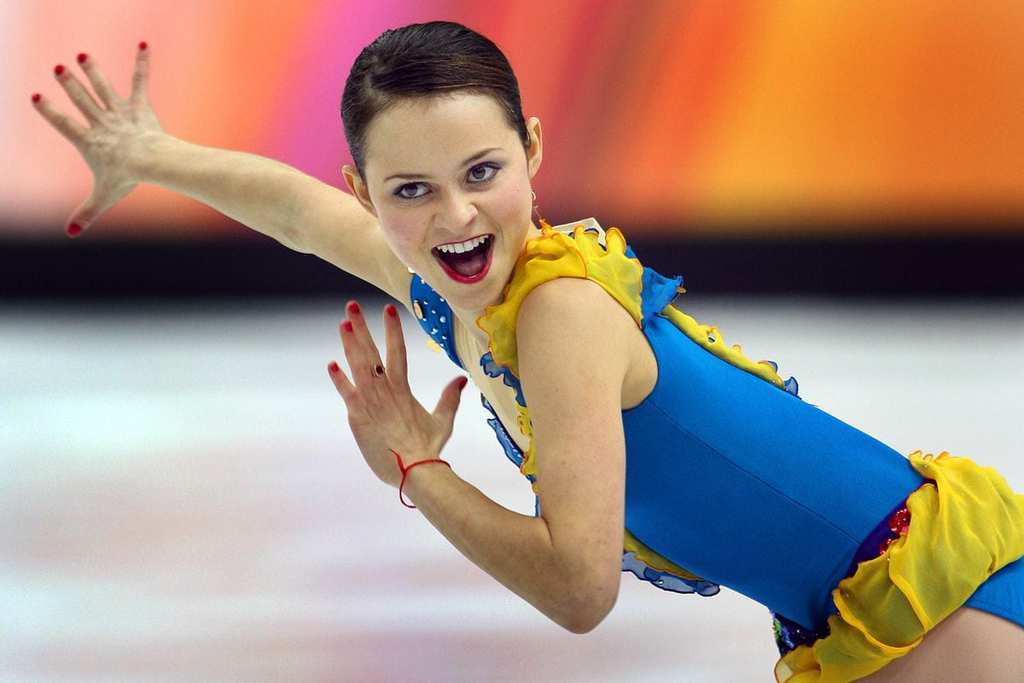Sasha Cohen reigning US Figure Skating Champion Olympic silver nude photos 2019