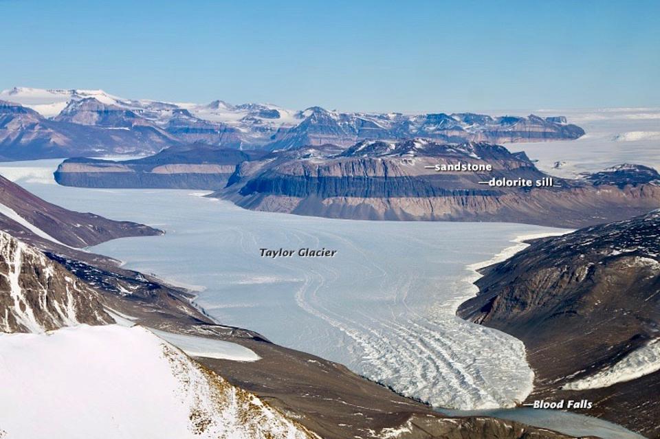 blood-falls-taylor-glacier