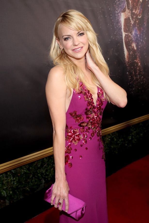 Anna-Faris-at-Emmy-Awards