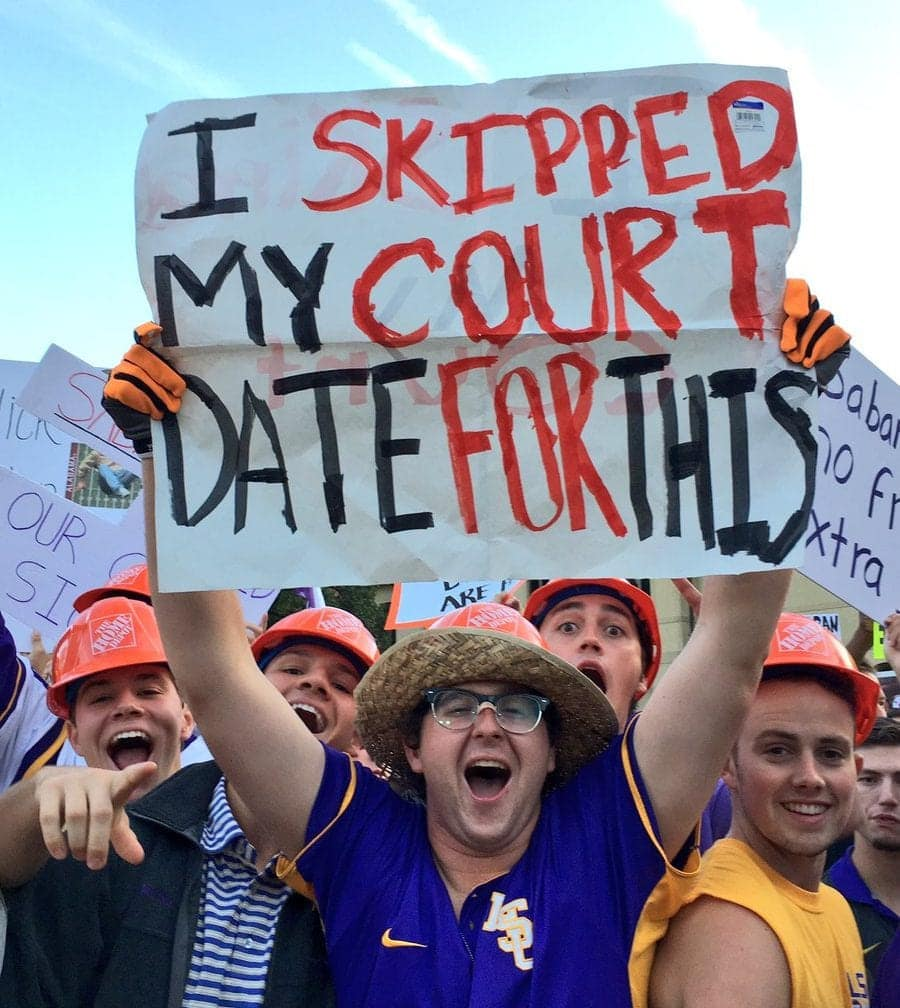 sports signs college funny football hilarious fan sign game gameday lsu crazy showing far laughter crying deserve medal these tiebreaker