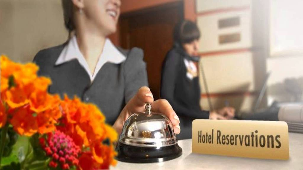 Getting awards by recommending hotels