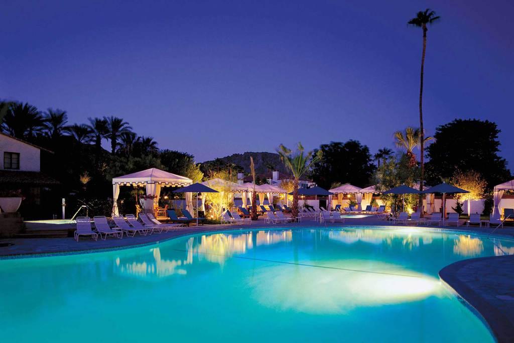 Palm Springs Resort, poolside