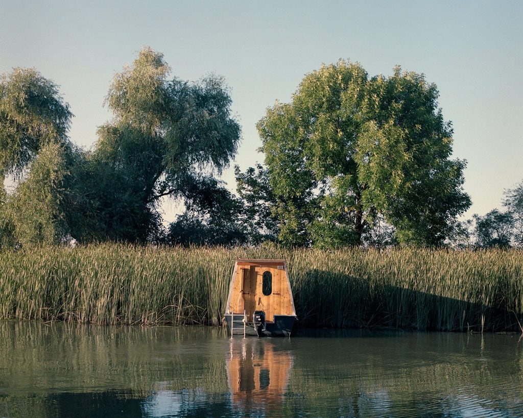 The houseboat in Lake Tisza