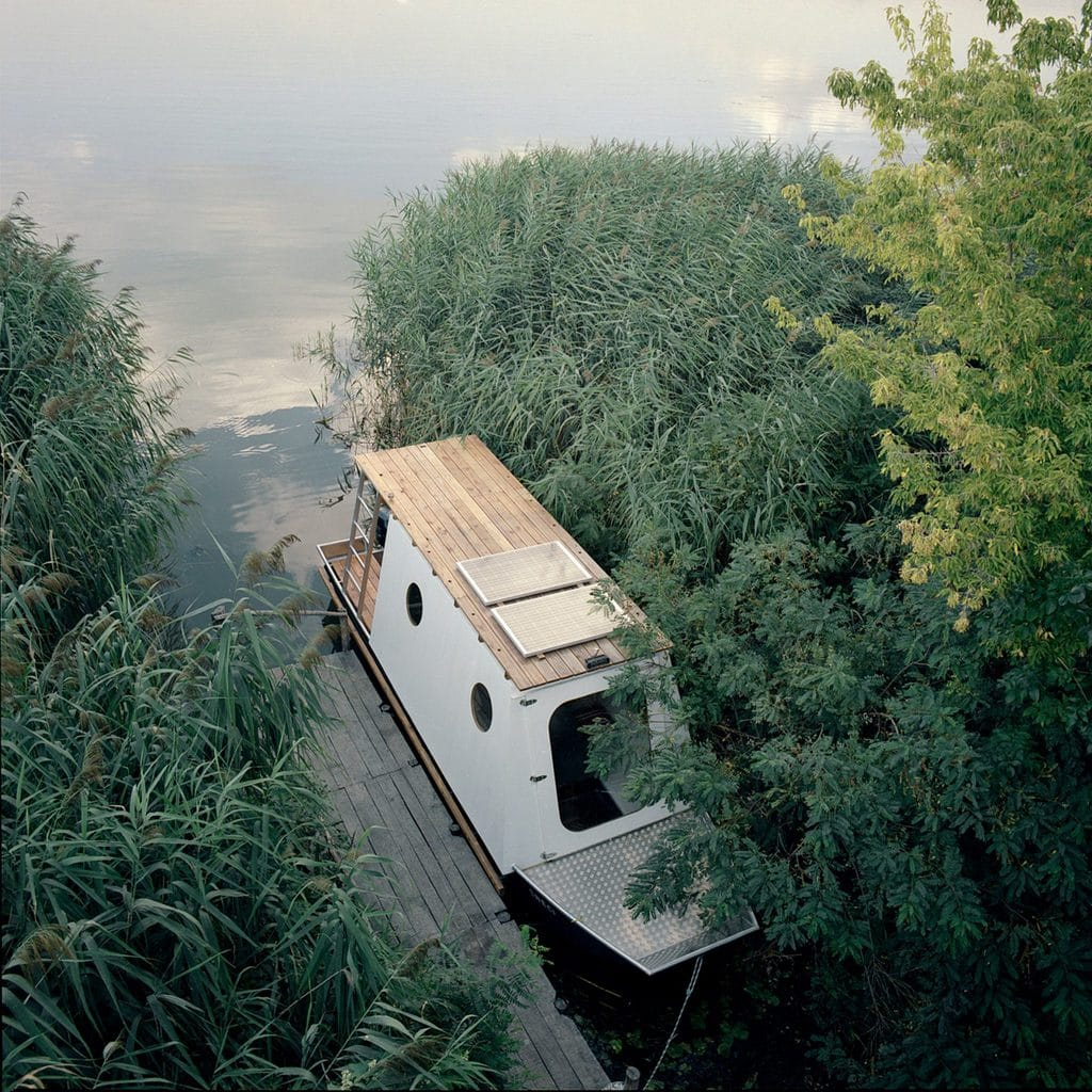 The houseboat on Lake Tisza