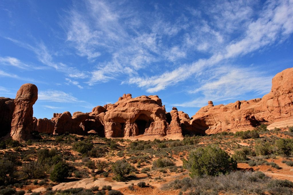 Panoramic views of the Arches National Park, one of the United States' most well-known natural sites.